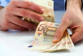 Κοινωνικό Εισόδημα Αλληλεγγύης: Πόσα χρήματα δικαιούται μια οικογένεια και πότε ισχύει;