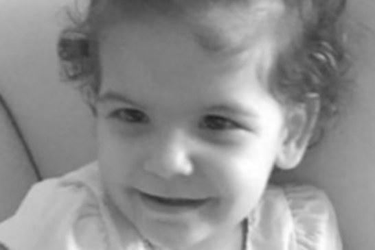 Αυτό είναι το 2χρονο Αγγελούδι που Σκοτώθηκε στη Κρήτη – Η μάνα δε γνωρίζει για το χαμό του παιδιού