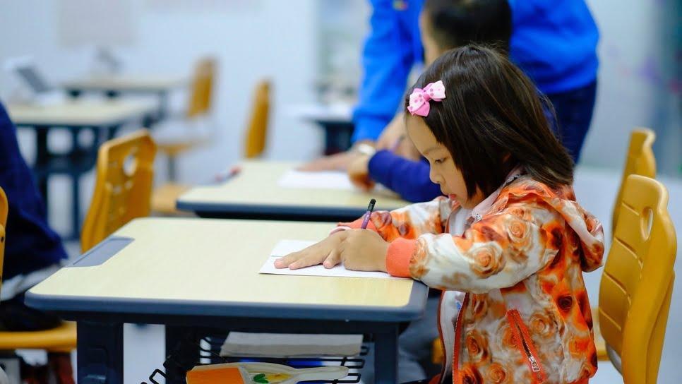 Ετσι ανοίγουν τα σχολεία σε όλο τον κόσμο με κορωνοϊό