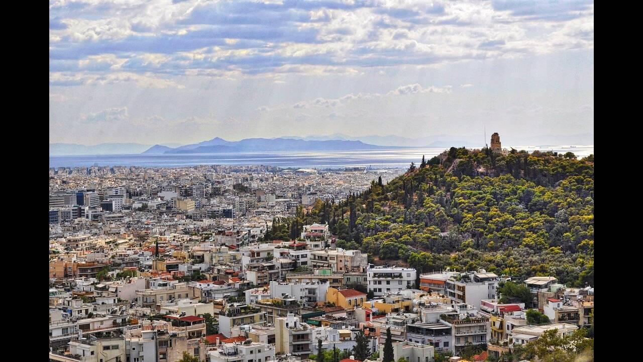 Ανοιχτά τα μαγαζιά όλες τις Κυριακές στο κέντρο της Αθήνας