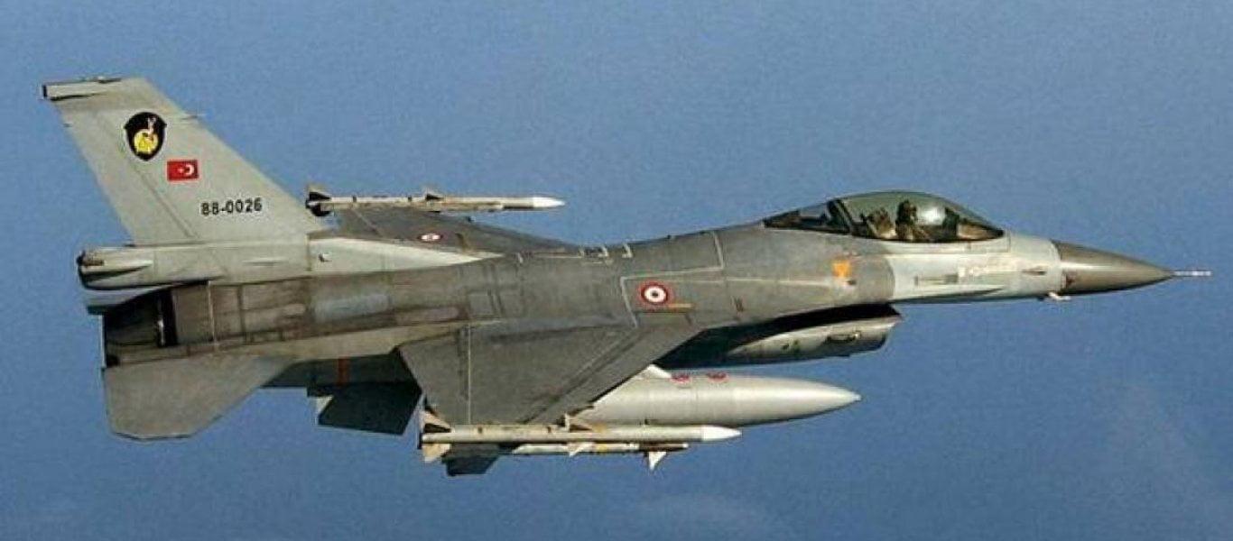 Κλιμακώνει η Τουρκία: 200 μέτρα πάνω από τη μεθόριο στον Έβρο τουρκικά μαχητικά