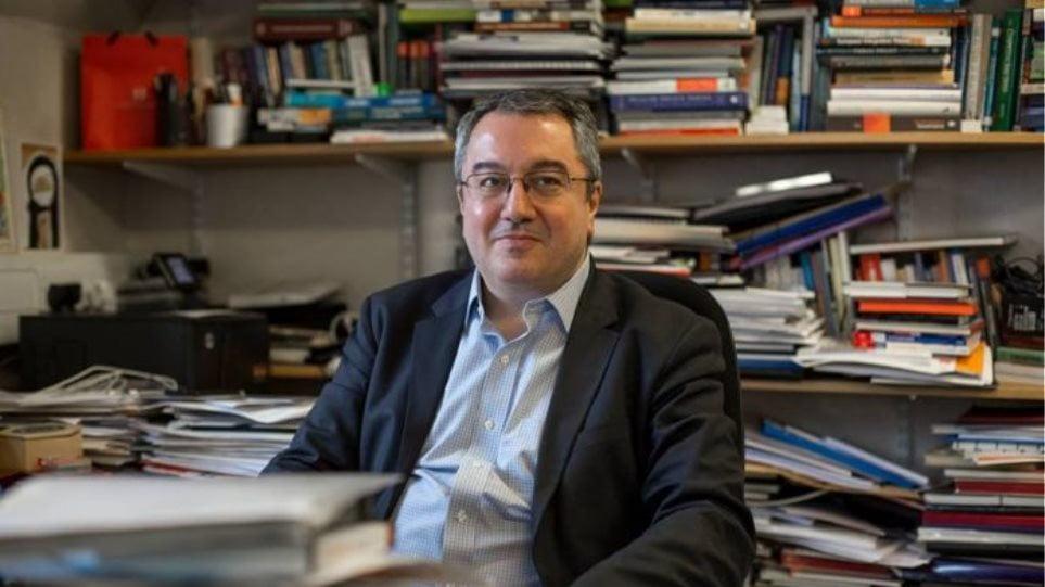 Μόσιαλος: Η Ελλάδα δε μπορεί να γίνει Σουηδία, γιατί πρέπει να αποφύγουμε το lockdown