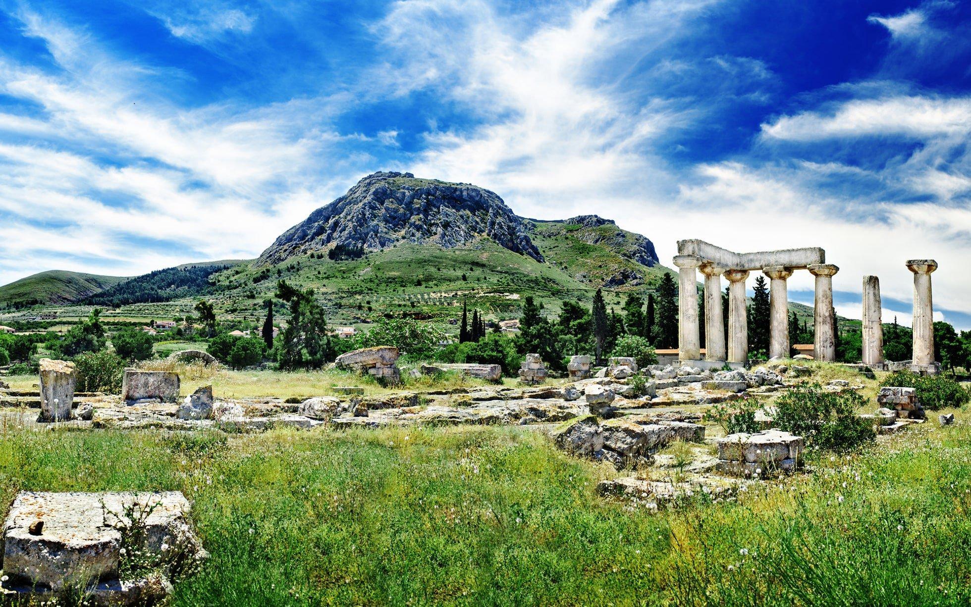 Ύμνοι της Telegraph για την Ελλάδα: Θα είναι ο πρώτος ταξιδιωτικός προορισμός, μετά τον κορονοϊό