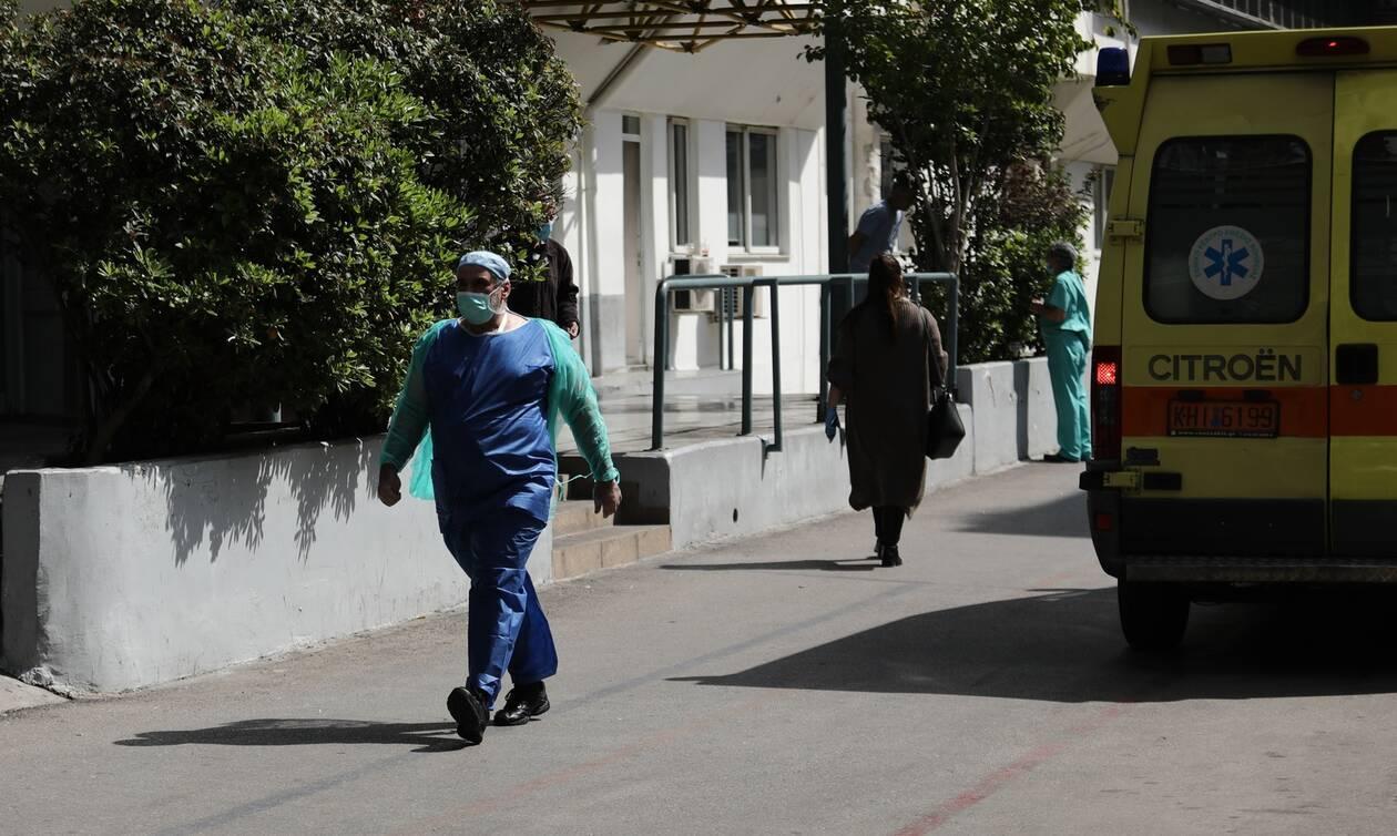Κορωνοϊός: Η Ελλάδα πλησιάζει τον ημερήσιο αριθμό-καμπανάκι