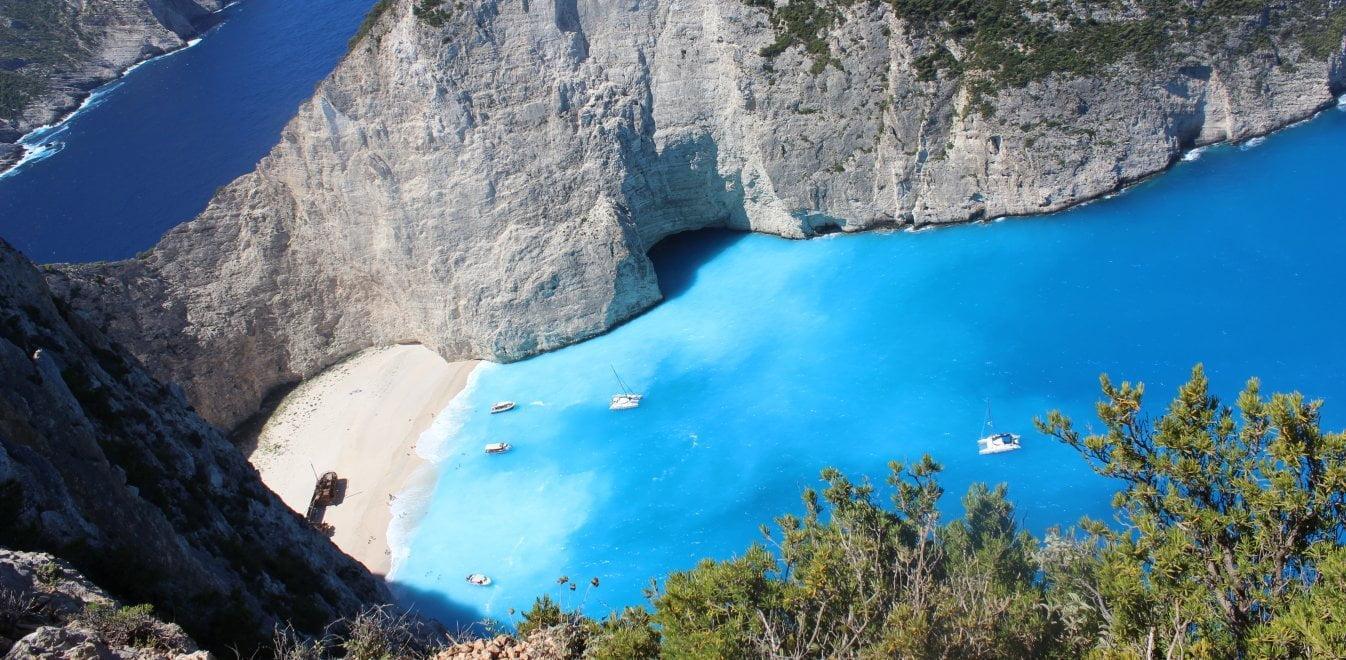 Τα ελληνικά νησιά που ενδέχεται να μπουν στην πράσινη λίστα της Βρετανίας