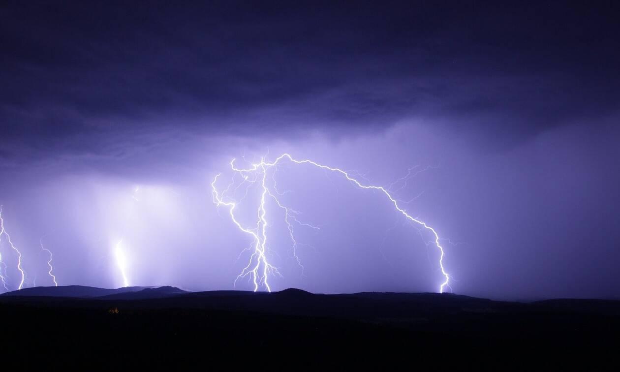 Καιρός: Αυτές οι περιοχές θα «βουλιάξουν» τις επόμενες ώρες (ΧΑΡΤΕΣ)