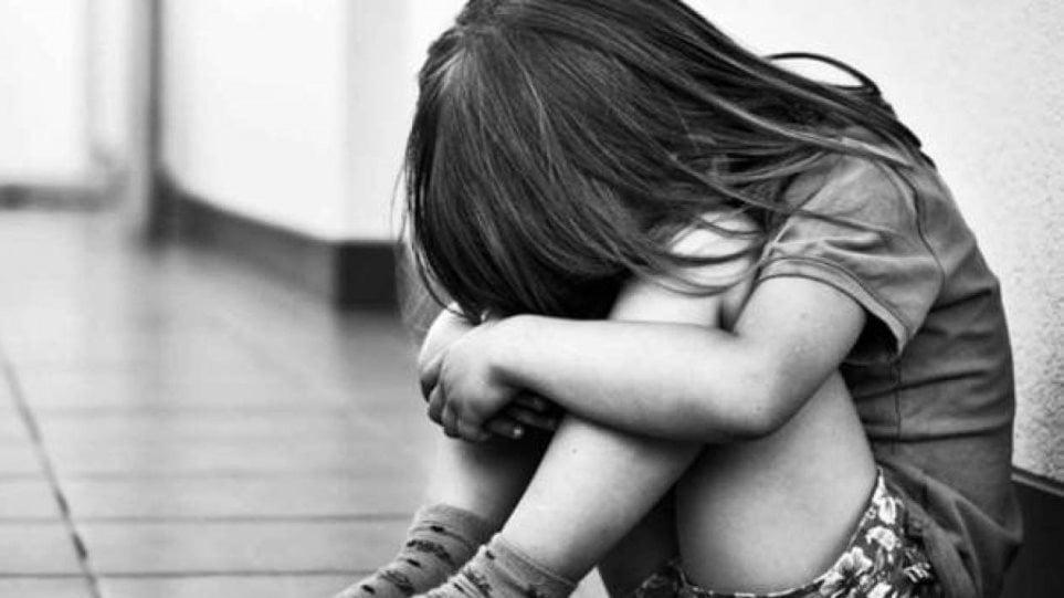 «Μου έλεγε πεινάω και έλεγα υπομονή»: Συγκινεί η μητέρα της 9χρονης που λιποθύμησε στη Ρόδο