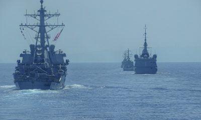 «Τείχος» από το πολεμικό ναυτικό στο Αιγαίο