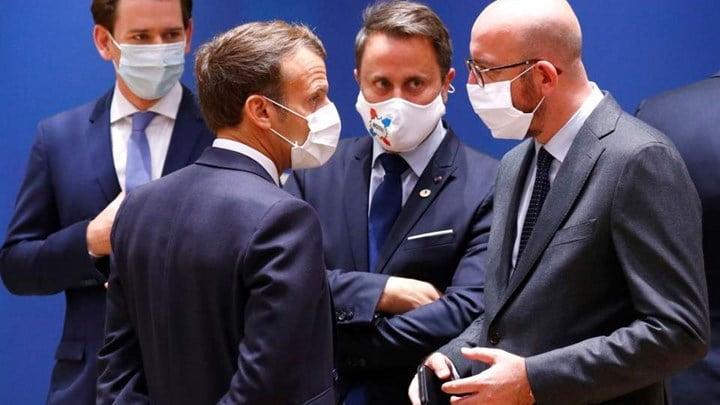Σύνοδος Κορυφής: «Λευκός καπνός» από τις Βρυξέλλες - Έκλεισε η συμφωνία για το σχέδιο ανάκαμψης έπειτα από 5 ημέρες
