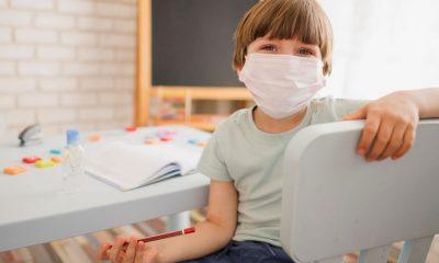 Σχολεία : Διακόπτεται η παραγωγή μασκών για τους μαθητές μετά το «φιάσκο»