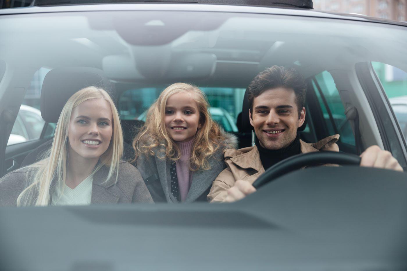 Πόσα άτομα επιτρέπονται σε αυτοκίνητα λόγω κορονοϊού;