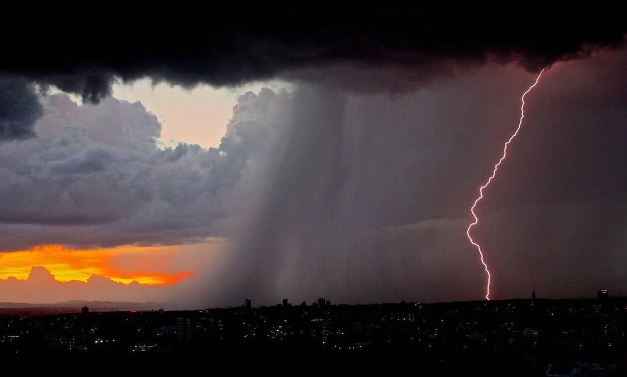 Κακοκαιρία: Έκτακτα μέτρα για τον «Ιανό» - Ποιες περιοχές θα «σαρώσει» ο μεσογειακός κυκλώνας