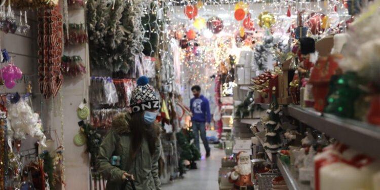 Κορονοϊός - Lockdown: Πότε ανοίγουν λιανεμπόριο και κομμωτήρια