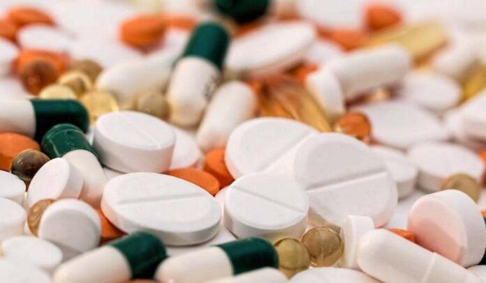 Από το στόμα, μόλις βγεις θετικός: Το αντιϊικό χάπι με αποτελεσματικότητα 90% που τελειώνει την πανδημία